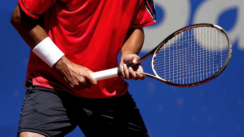What are the benefits of stiff racquet?