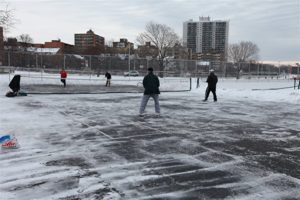 playing tennis in cold weather