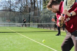 How to play padel